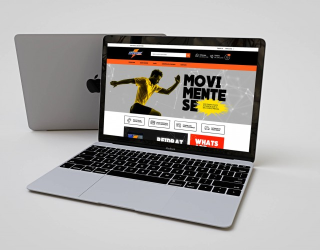 Realistic-Apple-Macbook-Mockup